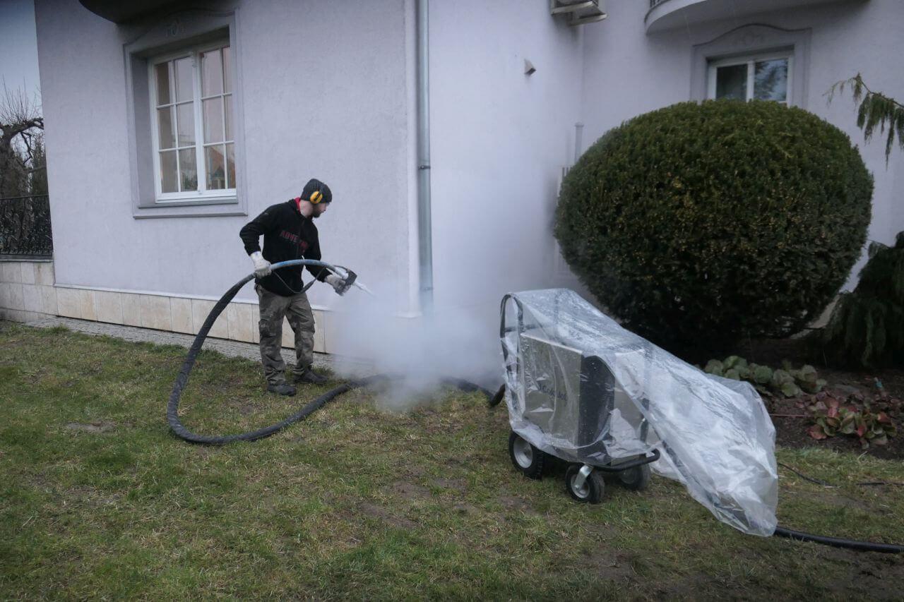 Czyszczenie elewacji domu jednorodzinnego suchym lodem - Kraków