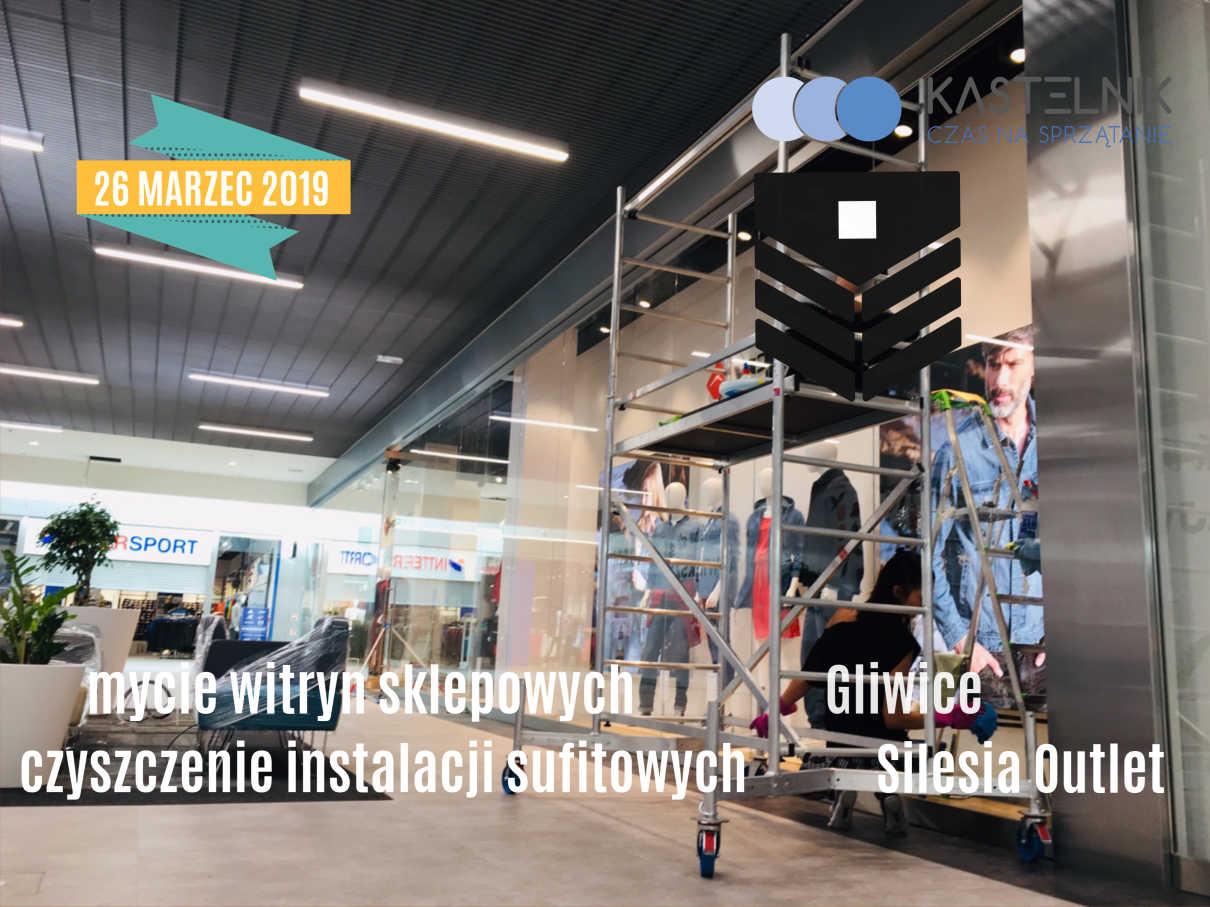 Mycie witryn sklepowych w sklepie Silesia Outlet w Gliwicach